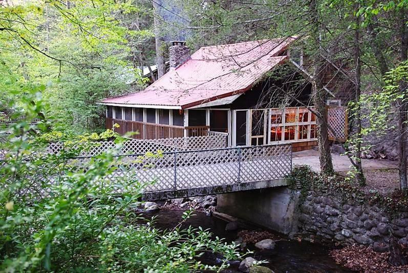cabin on roaring fork
