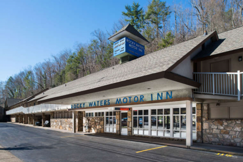 a picture of rocky waters motor inn