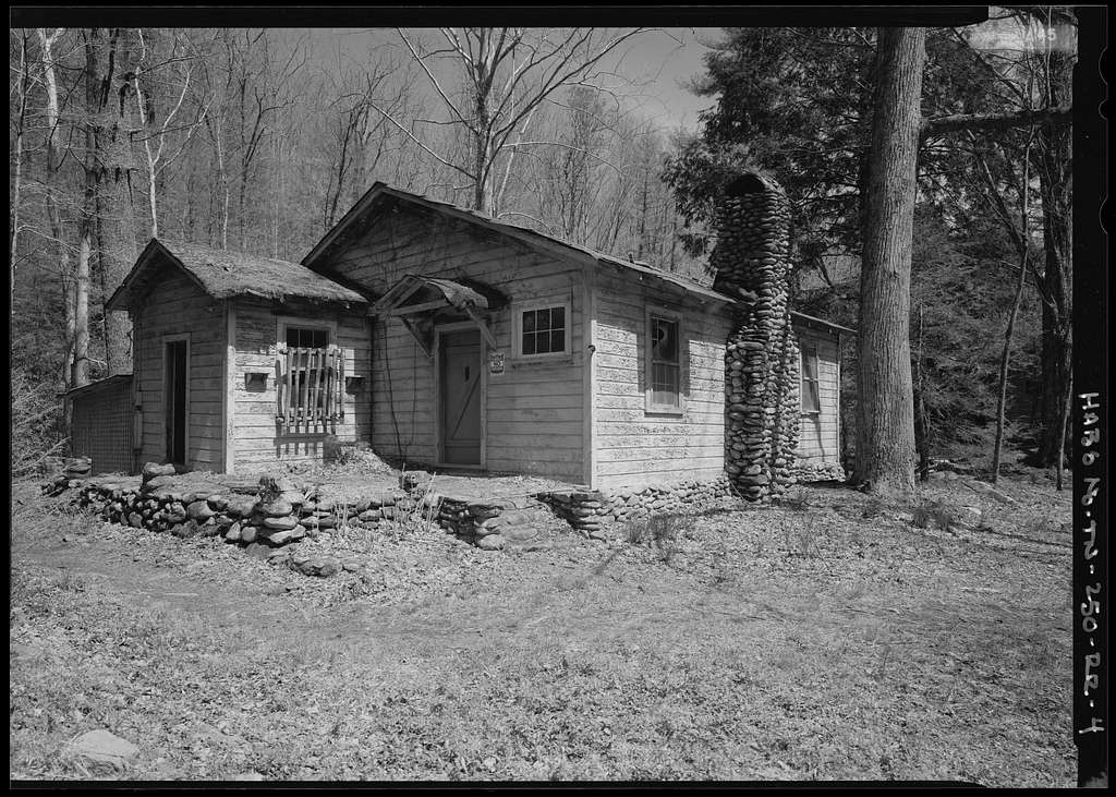 photo shows a cabin in elkmont.